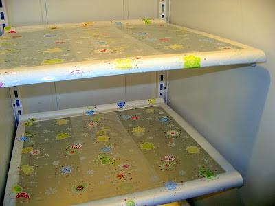 keep fridge shelf clean